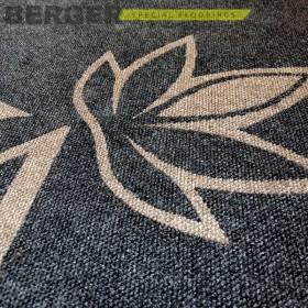 Ковер с врезным логотипом, фото, доставка, укладка, недорого